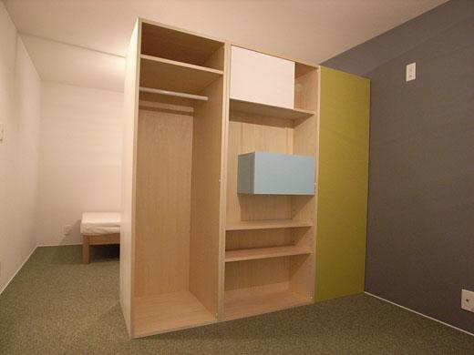 オーダー家具・飾り棚やクローゼット、本棚など様々な用途に使える。一部は黒板塗装