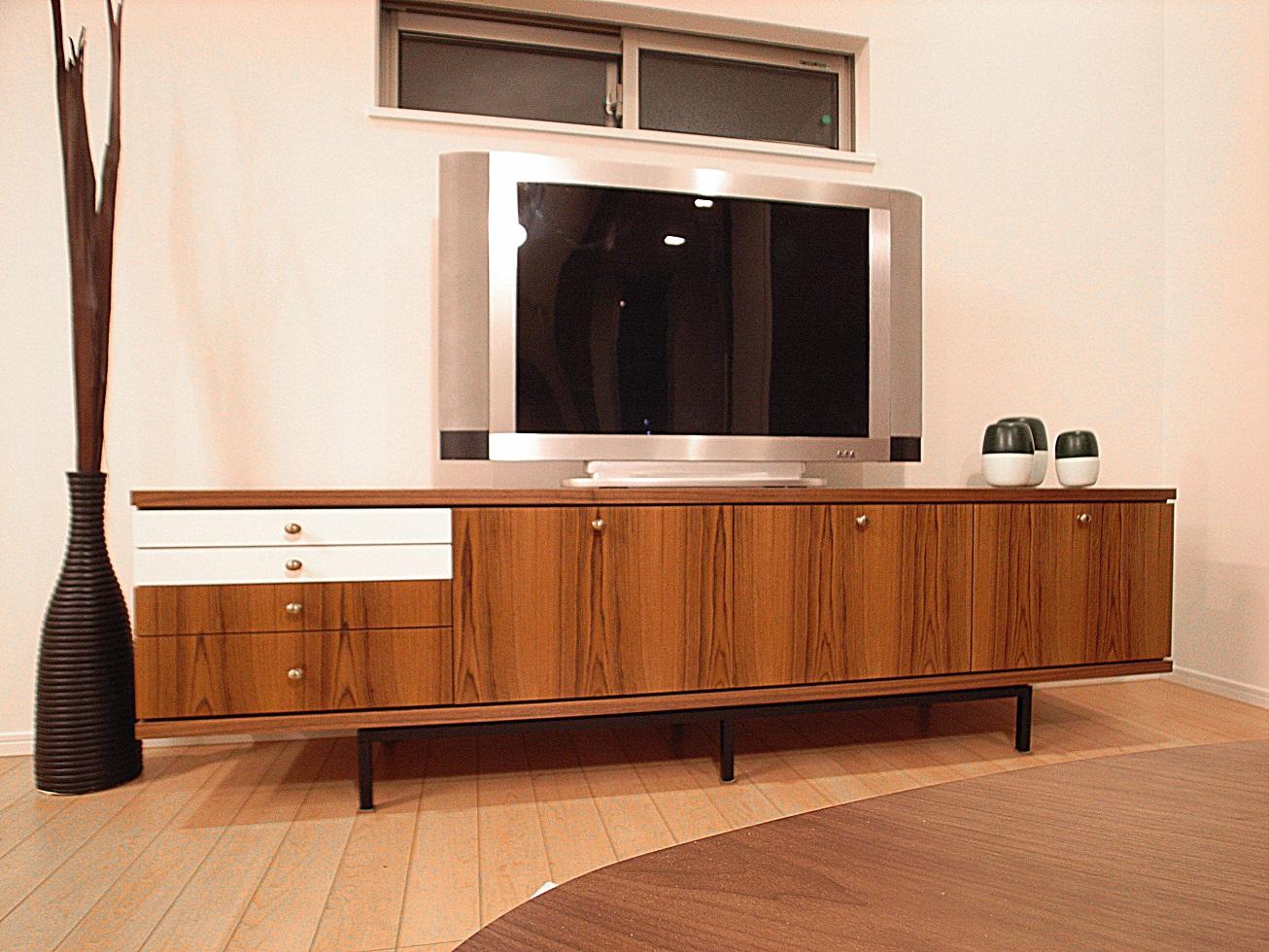 オーダー家具・モダンビンテージをテーマにオーダー製作したテレビボード