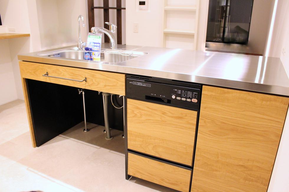 オーク突板を使って製作したオーダーキッチン